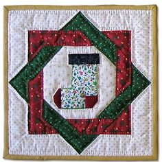 X mas quilt socks: Big Block Quilts, Star Quilts, Quilt Block Patterns, Mini Quilts, Christmas Patchwork, Christmas Sewing, Christmas Fabric, Christmas Crafts, Christmas Wall Hangings