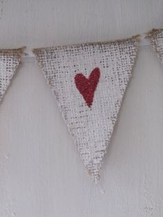 MINI Painted White Red Glittere Hearts Burlap Banner with Tulle Ties, Bows on Etsy Valentine Day Love, Valentine Day Crafts, Valentine Decorations, Holiday Crafts, Jar Of Hearts, Red Hearts, Heart Banner, Glitter Hearts, Red Glitter