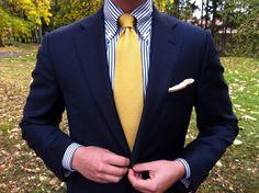 gold-knit-tie.jpg 1,600×1,195 pixels