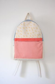 Arch Zip Backpack: Scallop