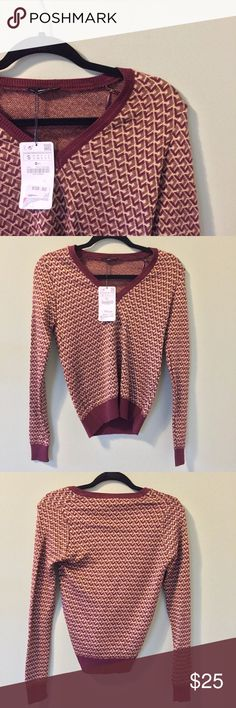 "ZARA RED&BROWN LONG SEEVE V-NECK SWEATER ⋅Zara red&gold v-neck sweater ⋅Condition: Good, no visible damage found NWT ⋅Size S, please also refer to measurements. ⋅Measurements: Armpit to armpit: 16"" Length: 23 "" Waist: 15""  Great to dress up or dress down! Not too thick, not itchy. Zara Sweaters V-Necks"