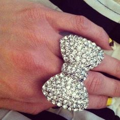 Bow Ring <3
