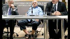 Mujica acude en sandalias a juramentación ministro Economía