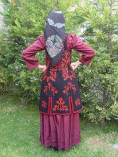 Γυναικεία φορεσιά του Ζαγορίου, Ήπειρος / Female costume of Zagori, Epirus