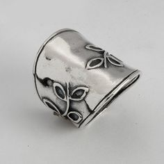 Shablool Didae Israel 925 Sterling Silver Finger Ring Featuring Handcrafted Leafs Design