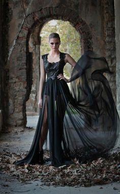 Drusilla at Astoria's wedding Couture Fashion, Fashion Art, Fashion Models, Fashion Design, Timeless Fashion, Beautiful Dresses, Fashion Photography, Fashion Dresses, Style Inspiration