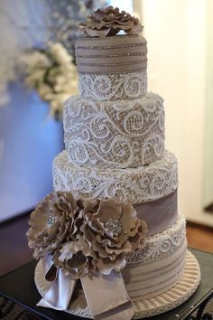 Lace Wedding Cakes The Chic Technique: Nude and white lace wedding cake. Elegant Wedding Cakes, Elegant Cakes, Beautiful Wedding Cakes, Gorgeous Cakes, Wedding Cake Designs, Pretty Cakes, Amazing Cakes, Lace Wedding, Gorgeous Gorgeous
