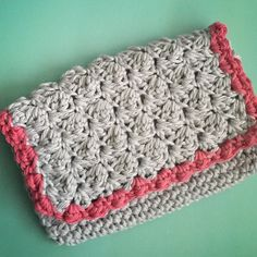 Crochet Clutch Lace Pattern : ... bolsos de crochet Pinterest Clutches, Crochet Clutch and Crochet