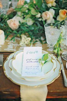 elegant place setting - photo by ArinaB Photography http://ruffledblog.com/soft-and-modern-wedding-inspiration