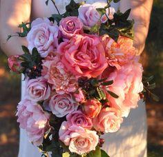 Holly's Wedding Flowers, shipping silk flower bouquets worldwide.
