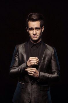 HAPPY BIRTHDAY TO THE WONDERFUL TALENTED AMAZING BRENDON URIE!!