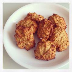 Receta de galletas saludables de avena, platano, naranja y miel.