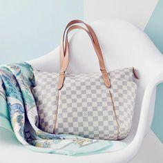 Women Fashion Style New Collection For Louis Vuitton Handbags e863e78f6d714