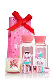 Bath & Body Black Friday Deals /// Gifts Sets are now on #SALE Twisted Peppermint Kiss, Sparkle & Scent #Gift Set was $24.00 Now: $15.50 #Christmas