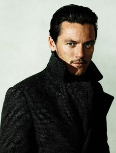 Say hello to the new face of Dracula, Luke Evans I can't wait