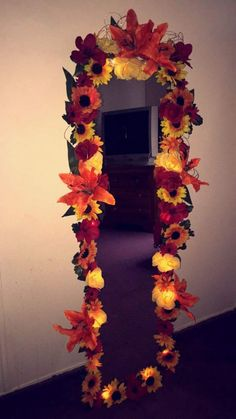 Best Flower Mirror Ideas 10 Articles And Images Curated On Pinterest Flower Mirror Mirror With Lights Diy Flower Mirror