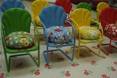 TO DO: Make little chair Pin cushions for sewing friends at work...too cute - I just love these little chairs!
