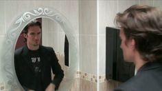 Roch a un rencard au resto avec une Française. Au sortir des toilettes, il croise Nico qui lui révèle qu'il a lui aussi un rencard, mais avec une Québécoise. Il ne leur reste plus qu'à conclure...