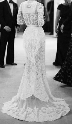 lace wedding gown - by Givency