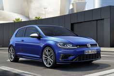 Volkswagen continues to provide more details and images of its much-awaited Volkswagen Golf R all-wheel drive flagship. Overall, the 2017 VW Golf R Facelift Volkswagen Golf Variant, Volkswagen Golf R, Vw Golf Variant, Golf Gti Sport, Vw Golf Tdi, Golf 7 R, Disc Golf, Vw Engine, Suv Models
