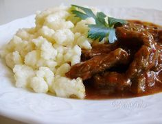 Hovädzí tokáň Main Dishes, Side Dishes, Goulash, Main Meals, Chana Masala, Mashed Potatoes, Menu, Sweets, Ethnic Recipes