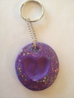 ~Mrs. Mathis Homeroom~: How to make these cute keychains from polymer clay!  The hearts are little thumbprints!