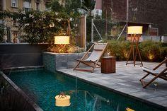 Iluminación de exterior con estilo. Diseño by Marset Barcelona.   Compra online: https://www.lamparas.es/20-jardin-exterior