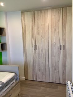 Habitación juvenil Armoire, Living Spaces, Barcelona, Furniture, Home Decor, Teenage Room, Nail Decorations, Youth Rooms, Blue Prints