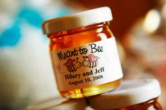 """Good wedding favour idea To do w/ my honey: Wedding favors."""" and """"Love is sweet! Country Wedding Favors, Creative Wedding Favors, Wedding Gifts For Guests, Cute Wedding Ideas, Wedding Favours, Wedding Inspiration, Party Favors, Jam Favors, Thoughtful Wedding Gifts"""