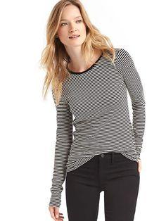In black stripe, size small
