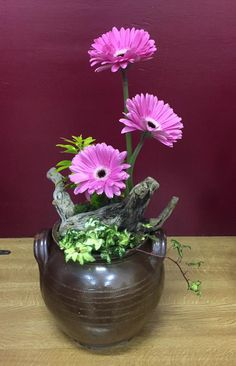 https://www.facebook.com/Thorpe-Floral-Design-Club-316255841860945/