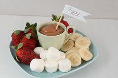 Such a good idea - chocolate fondue for afters instead of individual desserts. Individual Desserts, Mini Desserts, Christmas Desserts, Unicorn Cafe, Tea Sandwiches, Creative Food, Food Design, Chocolate Fondue, Baking Recipes