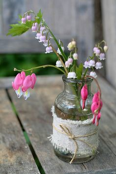 Lily of the Valley & Bleeding Heart (Dicentra) Arrangement . Flowers In Jars, Fresh Flowers, Spring Flowers, Beautiful Flowers, Spring Bouquet, Simple Flowers, Simply Beautiful, Deco Floral, Arte Floral