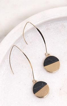 Our best selling statement earring comes in black and white marble. Hurry and buy yours while we continue our $10 promo! Sienna Monroe - The ultimate one stop shop for affordable boho fashion jewelry with an edgy elegance.