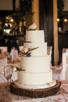 This cake would look amazing at a rustic, outdoorsy wedding. Image by Mike Cook Photography.