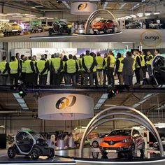 Exposición retrospectiva de Renault en la factoría de Valladolid para  celebrar el 60º Aniversario de la marca. Fue inaugurada por Su Majestad el Rey de España. www.auriga.es