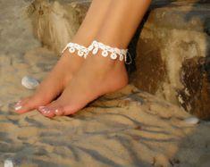 Blanco novia Crochet sandalias pies descalzos, el tobillo, de la flor blanca, accesorios, joyería de pie, la boda de playa boda,