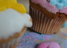 Mancare sanatoasa: 10 retete simple Cupcakes, Desserts, Food, Tailgate Desserts, Cupcake, Meal, Deserts, Essen, Dessert