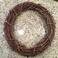 A quick and easy diy to make your own Spring Tulip Wreath. Perfect Tulip Wreath diy for your front door this Spring! Spring Wreaths For Front Door Diy, How To Make Wreaths, Diy Wreath, Grapevine Wreath, Wreath Making, Tyres Recycle, Recycled Tires, Willow Weaving, Tulip Wreath
