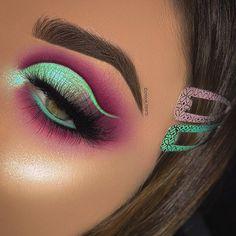 This color combo is giving us major barbie vibes! 💖 🌸 Venus XL 1 🌿 Venus XL 2 🌸 Unicorns Hi-Lite Palette 🌿 Tearful Diamond Dew Lid… Makeup Eye Looks, Beautiful Eye Makeup, Eye Makeup Art, Cute Makeup, Glam Makeup, Makeup Inspo, Eyeshadow Makeup, Makeup Brushes, Makeup Ideas