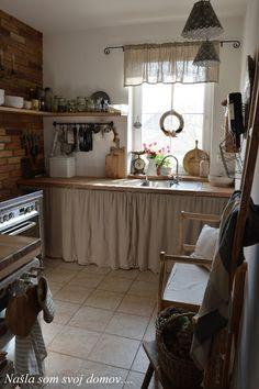 Farmhouse Style Kitchen, Shabby Chic Kitchen, Vintage Kitchen, Tiny House Cabin, Cozy House, Küchen Design, House Design, Brick Wall Decor, House Essentials