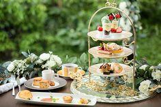 ストリングス ホテル 名古屋の「プリンセスアフタヌーンティー」ティアラを飾ったメロンパフェなど