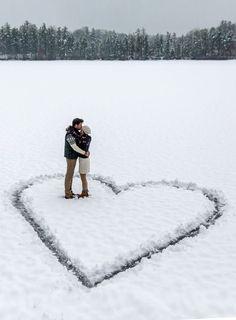 Valentine photo inspiration ♥️ Valentines photoshoot ideas | couple in snow heart