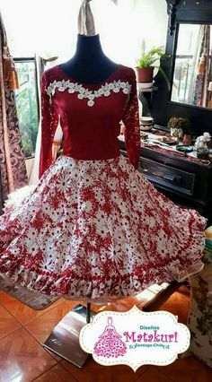 Resultado de imagen para vestidos de huasa modernos 50s Dresses, Dance Dresses, Girls Dresses, Formal Dresses, Square Skirt, Dress Outfits, Cute Outfits, Dress Patterns, Baby Dress