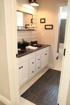 Thrift and Shout: My BIA Parade of Homes 2015 Preview Tour- Fischer Homes, upstairs bathroom