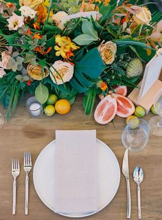 La Tavola Fine Linen Rental: Tuscany Natural Napkins | Photography: Dmitri and Sandra Photography, Planning & Design: Couture Events, Florals: Mandy Grace Designs, Calligraphy: Alannah Rae Calligraphy, Catering: Cutting Edge Catering, Venue: Steeple House at Kapalua, Tent & Rentals: Rio Event Design, Rentals: Artisan Events Maui, Inspiration Event Rentals
