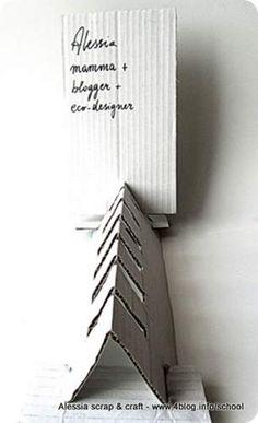Alessia Scrap&Craft: espositore di cartone riciclato per biglietti da visita