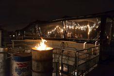 Les plus beaux rooftops de Paris pour boire un verre | GQ France Resto Terrasse Paris, Mama Shelter Paris, Bar Clandestin, Tour Saint Jacques, Coffee In Paris, Restaurant Bar, France, Rooftop
