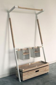 Minimalist wardrobe - Duuuuuuude, portable pull up bar that leans against a wall and you can do kipping and stuff, no marks.