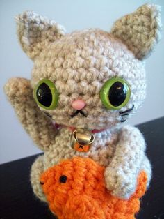 White Maneki Neko Amigurumi - Lucky Cat for Purity and Creativity